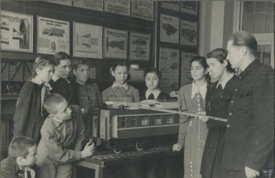 Занятие юных железнодорожников