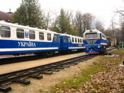 ТУ2-054 совершает маневры по ст. Парк