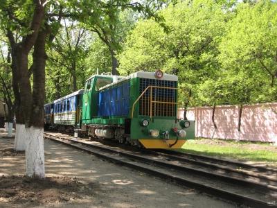 ТУ7А-3198 с составом 'Юность Южной' в тупике на ст. Парк