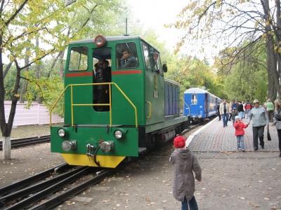 ТУ7А-3198 совершает маневры по ст. Парк